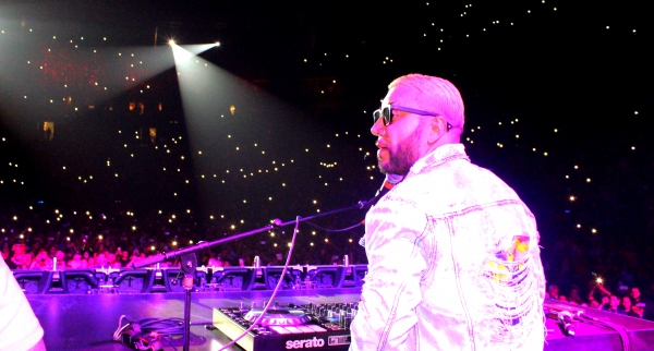 "Alex Sensation y la ""Mega Mezcla 2019"" regresó al Prudential Center con un lleno total"